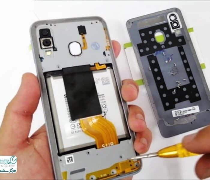 تعویض باتری گوشی گلکسی A40